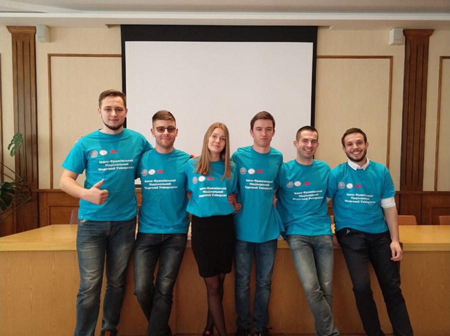 Студентська команда ІФНМУ стала призером всеукраїнського брейн-рингу зі стоматології (фото)