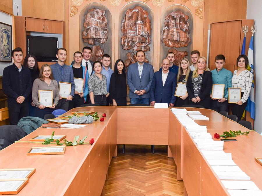 Студенти-медики отримали подяки міського голови Івано-Франківська (фоторепортаж)