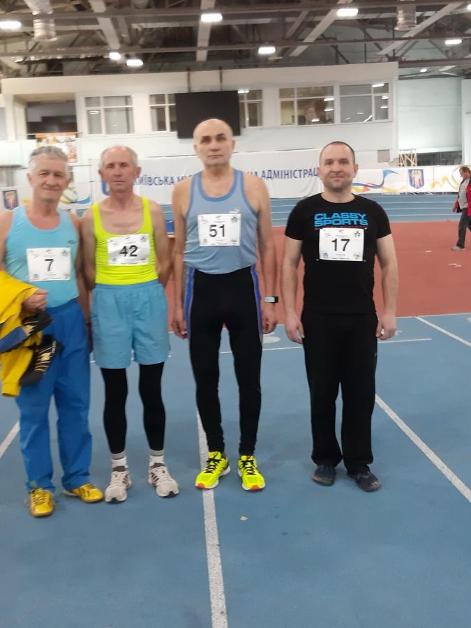 Викладач з Франківська став призером чемпіонату Києва з легкої атлетики (фотофакт)
