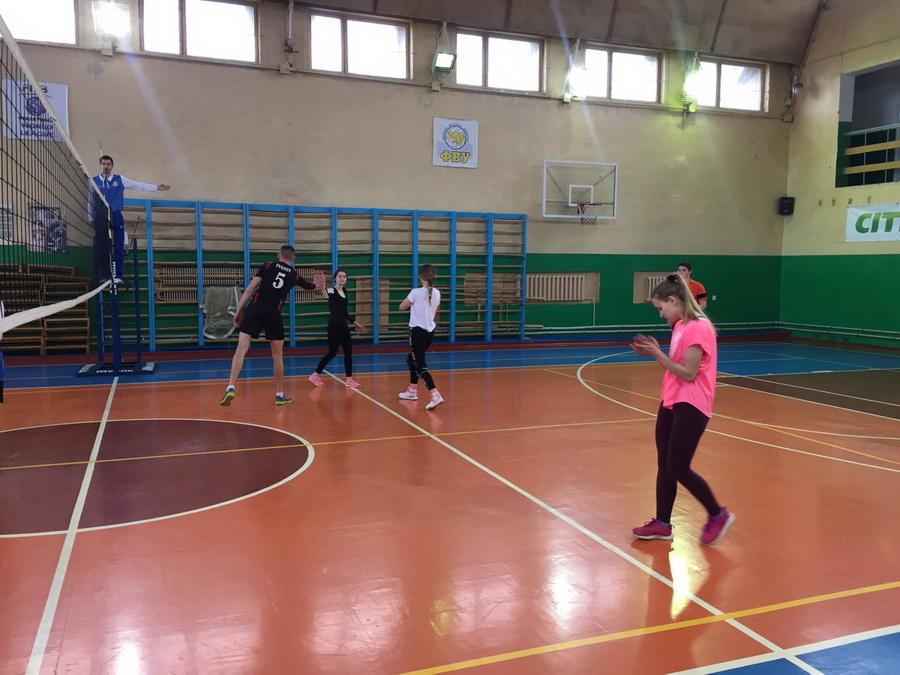 У франківському виші відбулись студентські змагання за Кубок з волейболу (фоторепортаж)