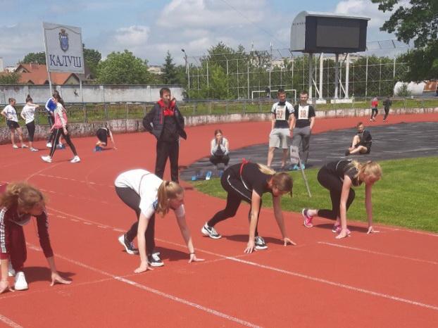 Студентська збірна ІФНМУ здобула перемогу на обласній універсіаді з легкої атлетики (фоторепортаж)